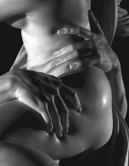 bernini_pluto_thigh